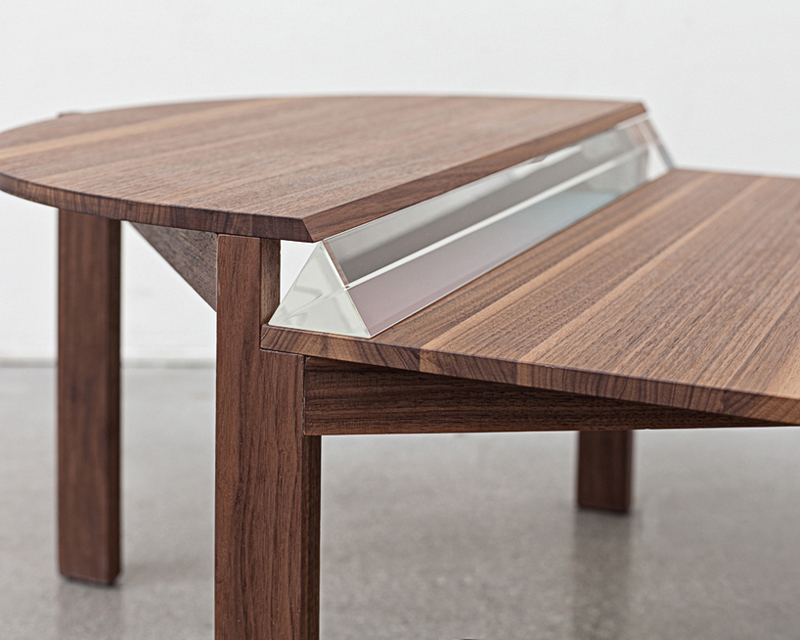 copy_0_that_piece_of_time_a_coffee_table02